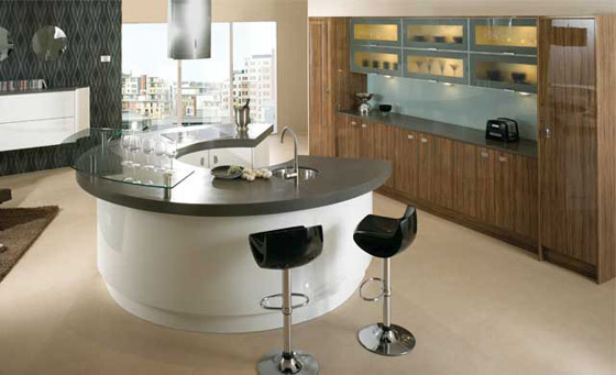 Kitchen as Ultra High in Gloss White & Olive wood